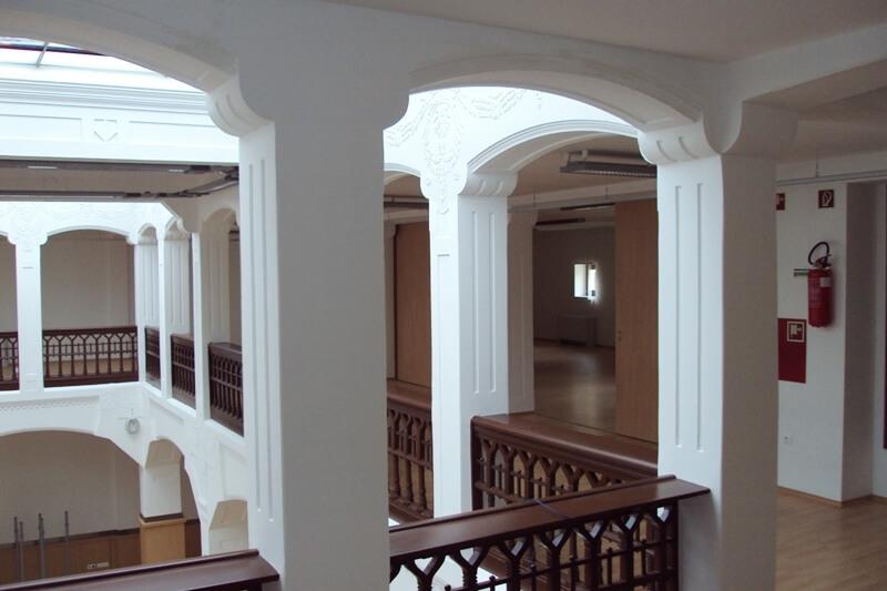 Baja KUPA belsőépítészet bútor